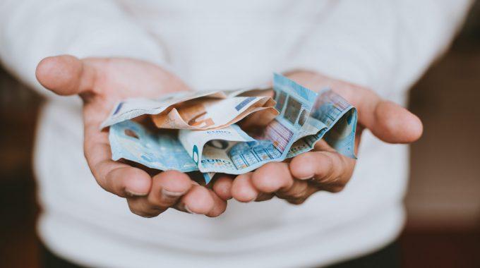 Calculators Predict Cost Savings Of Hand Dryers Vs. Paper Towels